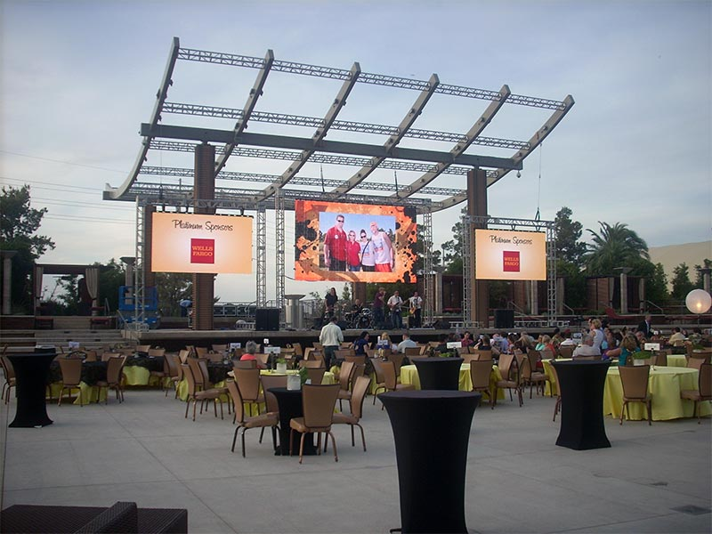 Seamless LED Video Wall Rentals - Outdoor Truss Mounted - LV Exhibit Rentals in Las Vegas